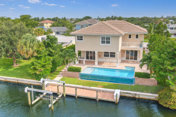 Home for Sale at 624 Inlet Road, North Palm Beach FL 33408