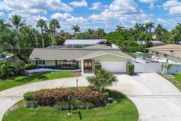 Home for Sale at 7 River Drive, Tequesta FL 33469