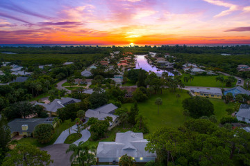 Home for Sale at 10830 SE Bow Lane, Hobe Sound FL 33455