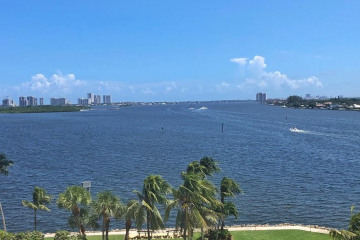 Home for Rent at 115 Lakeshore Drive #746, North Palm Beach FL 33408