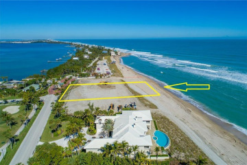 Home for Sale at 1725 SE Sailfish Point Boulevard, Stuart FL 34996