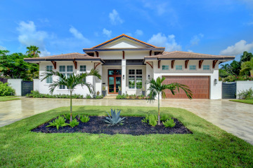 Home for Sale at 5111 NE 28th Avenue, Lighthouse Point FL 33064