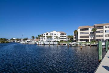 Home for Sale at 942 Oak Harbour Drive, Juno Beach FL 33408