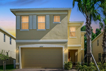 Home for Sale at 1537 NW Cataluna Circle, Port Saint Lucie FL 34986