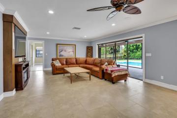 Home for Sale at 81 Fairview E, Tequesta FL 33469