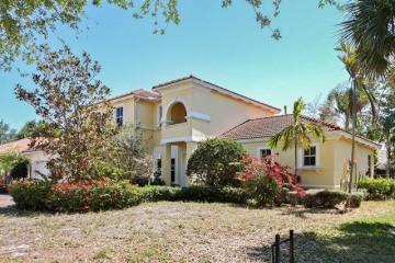 Home for Sale at 165 Magnolia Way, Tequesta FL 33469