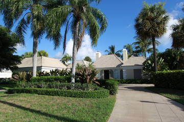 Home for Sale at 971 Lake House Drive, North Palm Beach FL 33408