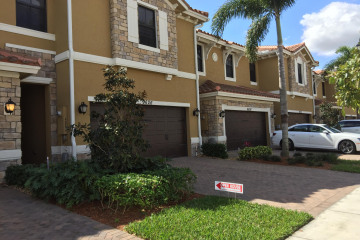 Home for Sale at 9618 Waterview Way E #9618, Parkland FL 33076