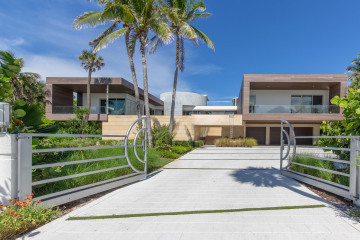 Home for Sale at 609 S Beach Road, Jupiter FL 33469