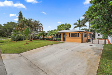 Home for Sale at 19006 SE Mayo Drive, Tequesta FL 33469