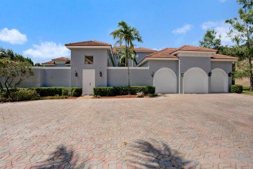 Home for Sale at 12917 Equestrian Trail, Davie FL 33330