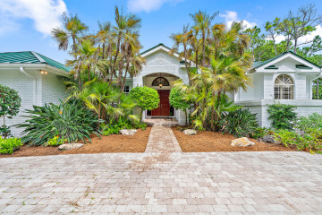 Home for Sale at 14656 Boxwood Drive, West Palm Beach FL 33418