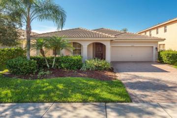 Home for Sale at 1208 SE Kirk Street, Stuart FL 34997