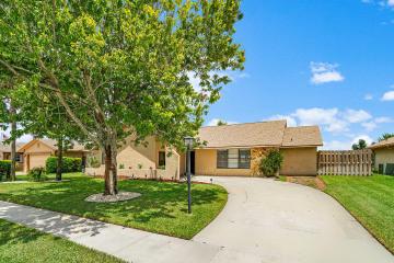 Home for Sale at 8145 Winnipesaukee Way, Lake Worth FL 33467