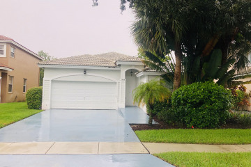 Home for Sale at 7603 NW 70th Avenue, Parkland FL 33067