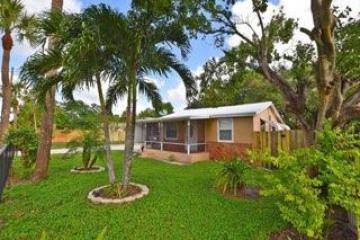 Home for Sale at 128 Sunbeam Avenue, West Palm Beach FL 33413