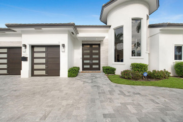 Home for Sale at 5220 NE 29th Avenue, Lighthouse Point FL 33064