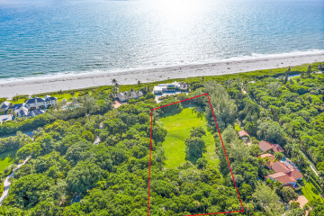 Home for Sale at 302 S Beach Road, Hobe Sound FL 33455