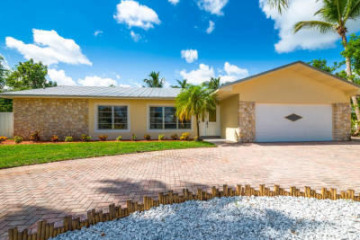 Home for Sale at 9366 SE River Terrace, Tequesta FL 33469