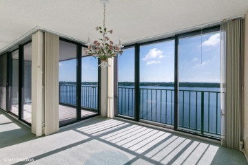 Home for Sale at 124 Lakeshore Drive #1029, North Palm Beach FL 33408