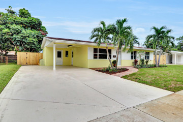 Home for Sale at 924 Laurel Road, North Palm Beach FL 33408