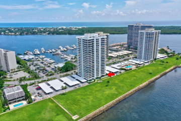 Home for Sale at 123 Lakeshore Drive #143, North Palm Beach FL 33408