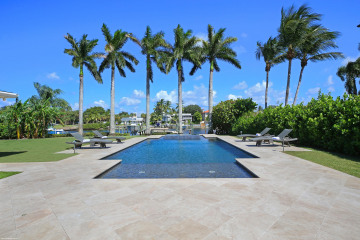 Home for Sale at 11974 S Edgewater Drive, Palm Beach Gardens FL 33410