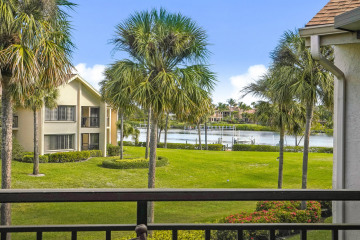 Home for Sale at 10411 SE Terrapin Place #C-201, Tequesta FL 33469