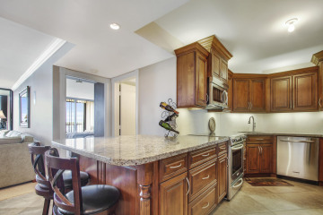 Home for Sale at 134 Lakeshore Drive #513, North Palm Beach FL 33408