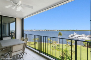 Home for Sale at 124 Lakeshore Drive #731, North Palm Beach FL 33408