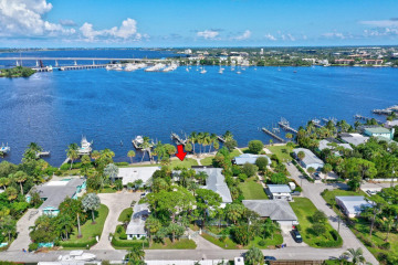 Home for Sale at 429 SW Ashby Lane, Palm City FL 34990