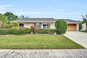 Home for Sale at 5858 Autumn Ridge Road, Lake Worth FL 33463