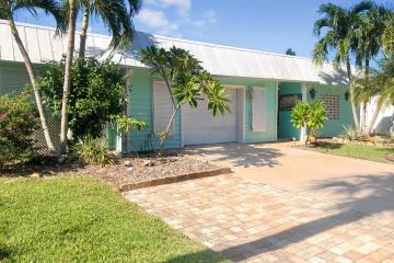 Home for Sale at 10850 SE Stern Lane, Hobe Sound FL 33455