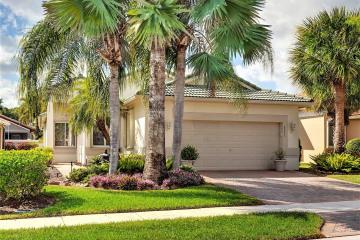 Home for Sale at 8043 Bellafiore Way, Boynton Beach FL 33472