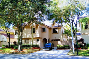 Home for Sale at 1711 NW 107th Avenue, Plantation FL 33322