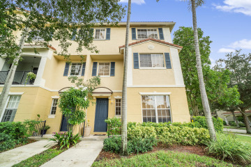Home for Sale at 1403 W Wickham Circle, Delray Beach FL 33445