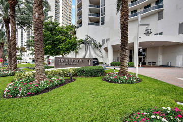 Home for Sale at 15811 Collins Avenue #504, Sunny Isles Beach FL 33160