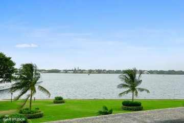 Home for Sale at 134 Lakeshore Drive #314, North Palm Beach FL 33408