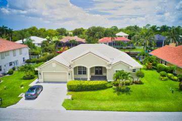 Home for Sale at 8756 SE Water Oak Place, Tequesta FL 33469