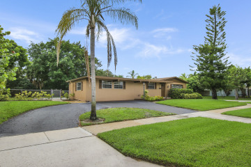 Home for Sale at 436 Driftwood Road, North Palm Beach FL 33408