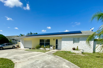Home for Sale at 7569 SE Gull Way, Hobe Sound FL 33455