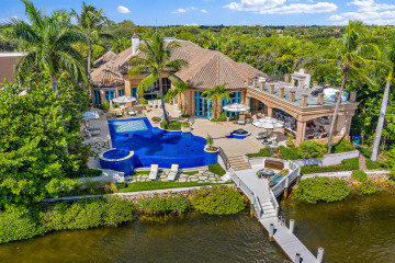 Home for Sale at 372 Regatta Drive, Jupiter FL 33477