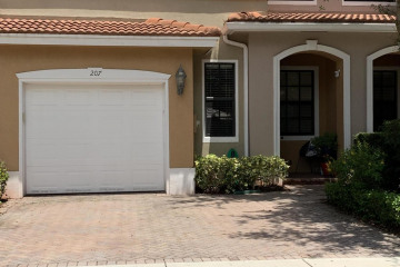 Home for Sale at 207 W Chrystie Circle, Delray Beach FL 33484