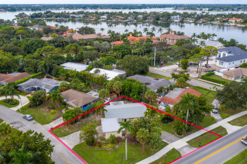 Home for Sale at 466 Tequesta Drive, Tequesta FL 33469
