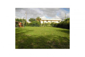 Home for Sale at 5600 NW 76th Place, Pompano Beach FL 33073