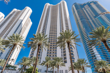 Home for Sale at 15811 Collins Avenue #3401, Sunny Isles Beach FL 33160
