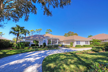 Home for Sale at 6245 SE Oakmont Place, Stuart FL 34997