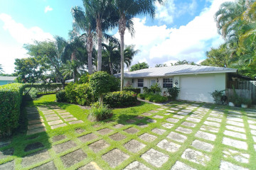 Home for Rent at 363 Elm Avenue, Tequesta FL 33469