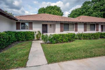 Home for Rent at 220 Club Drive #220, Palm Beach Gardens FL 33418