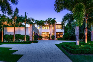 Home for Sale at 14646 Watermark Way, Palm Beach Gardens FL 33410